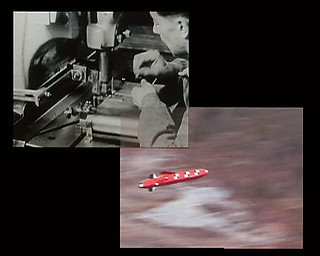 48、49──ハールン・ファロッキ《Eye/Machine》2001 video double projection 25 mins ZKM Video Art Collection videostill ©Harun Farocki and ZKM