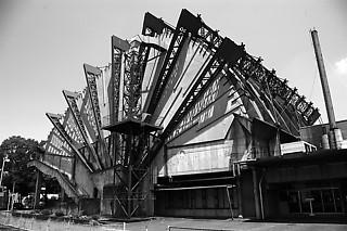 1──菊竹清訓《都城市民会館》(1966) 筆者撮影